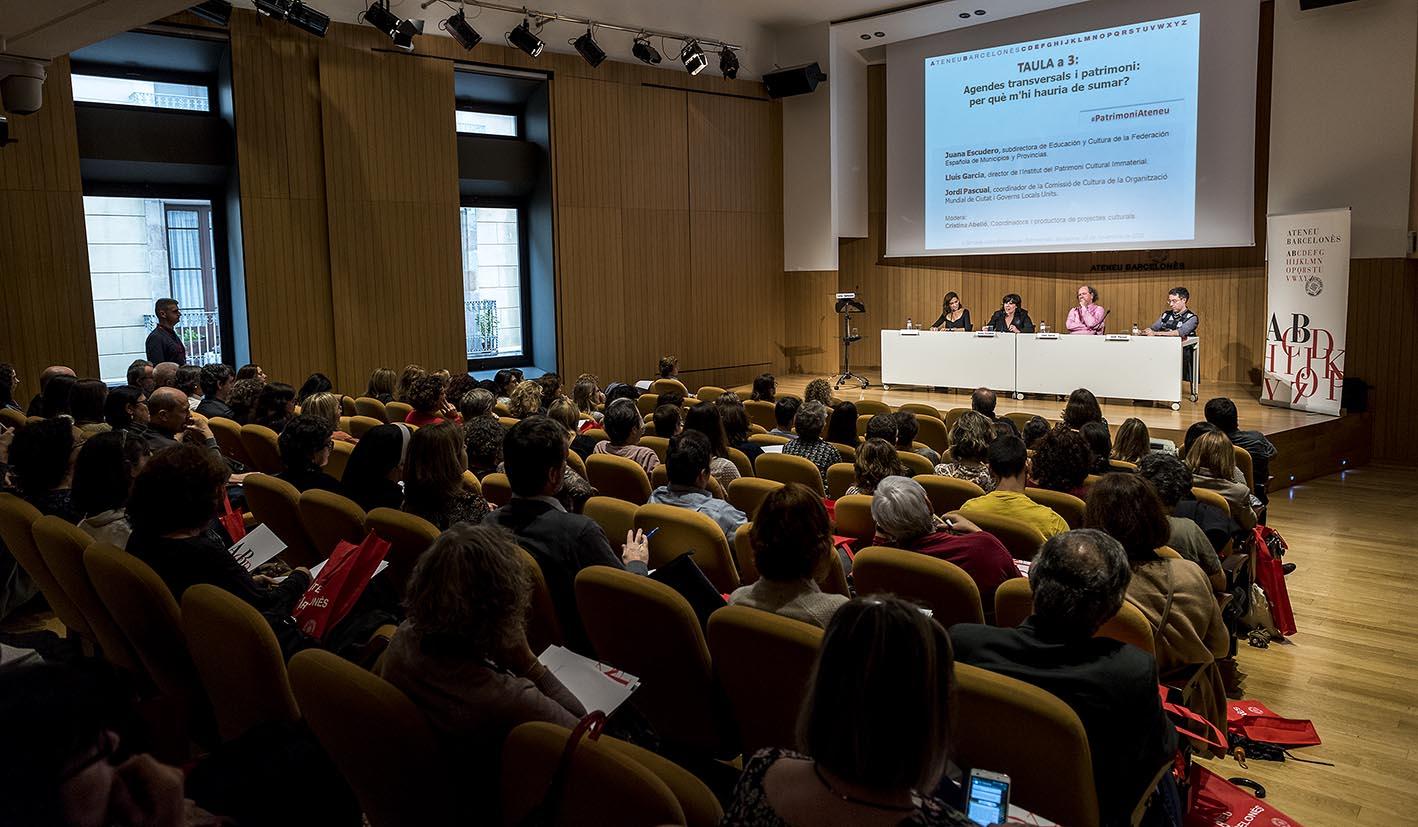 Conferència a la sala d'actes