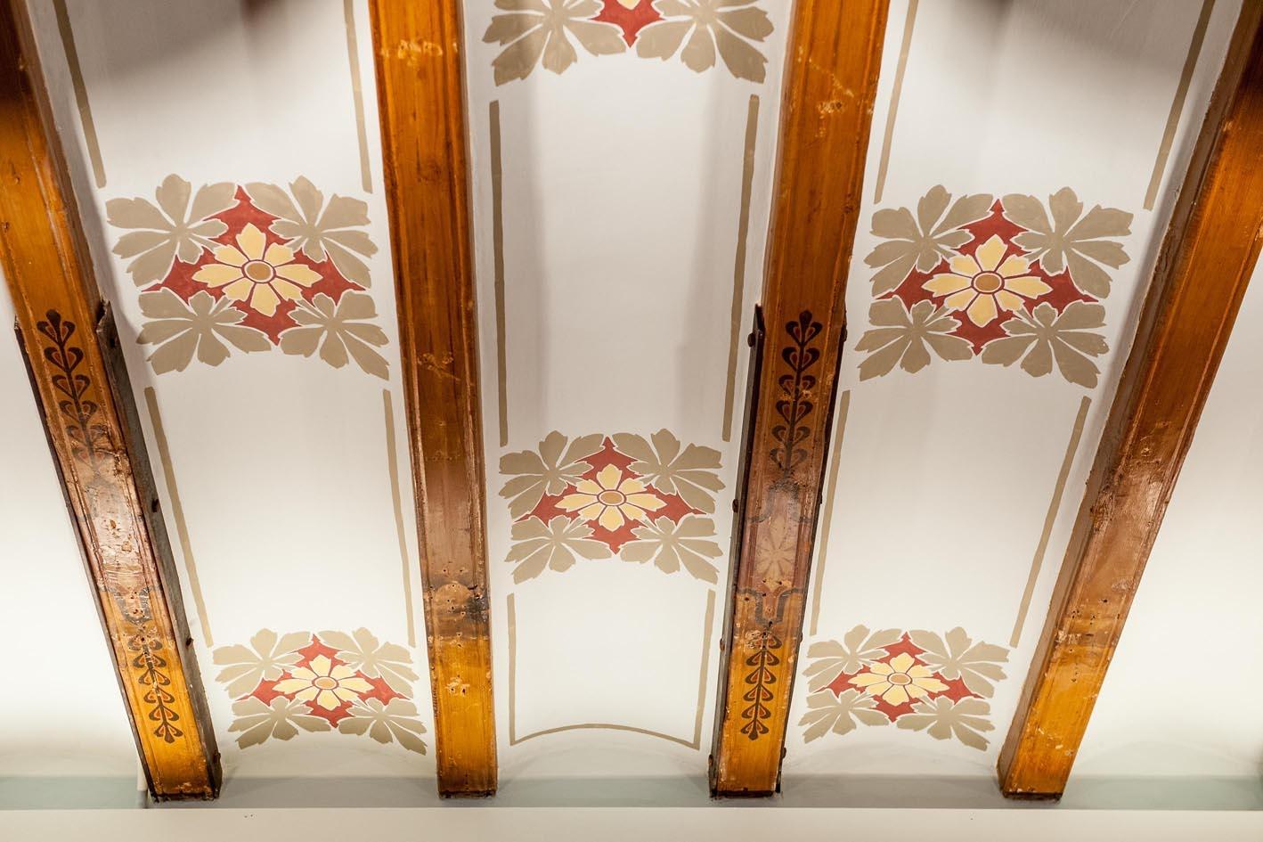 Detalls del sostre de la Sala Pompeu Fabra